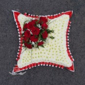 Large cushion, red roses